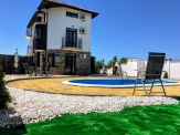Three-storey villa with swimming pool at the entrance to Black Sea Rama Golf Course