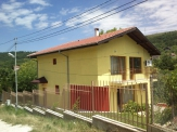 For sale Villa with large plot in Balchik.