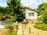 A small cozy villa in Balchik, meters from the Palace and the Botanical Garden.