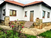 House in Tsarichino, 3 km from Balchik, fully furnished with a large yard.