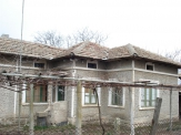 Real estate in Bulgaria. House in the village of Dubovik.